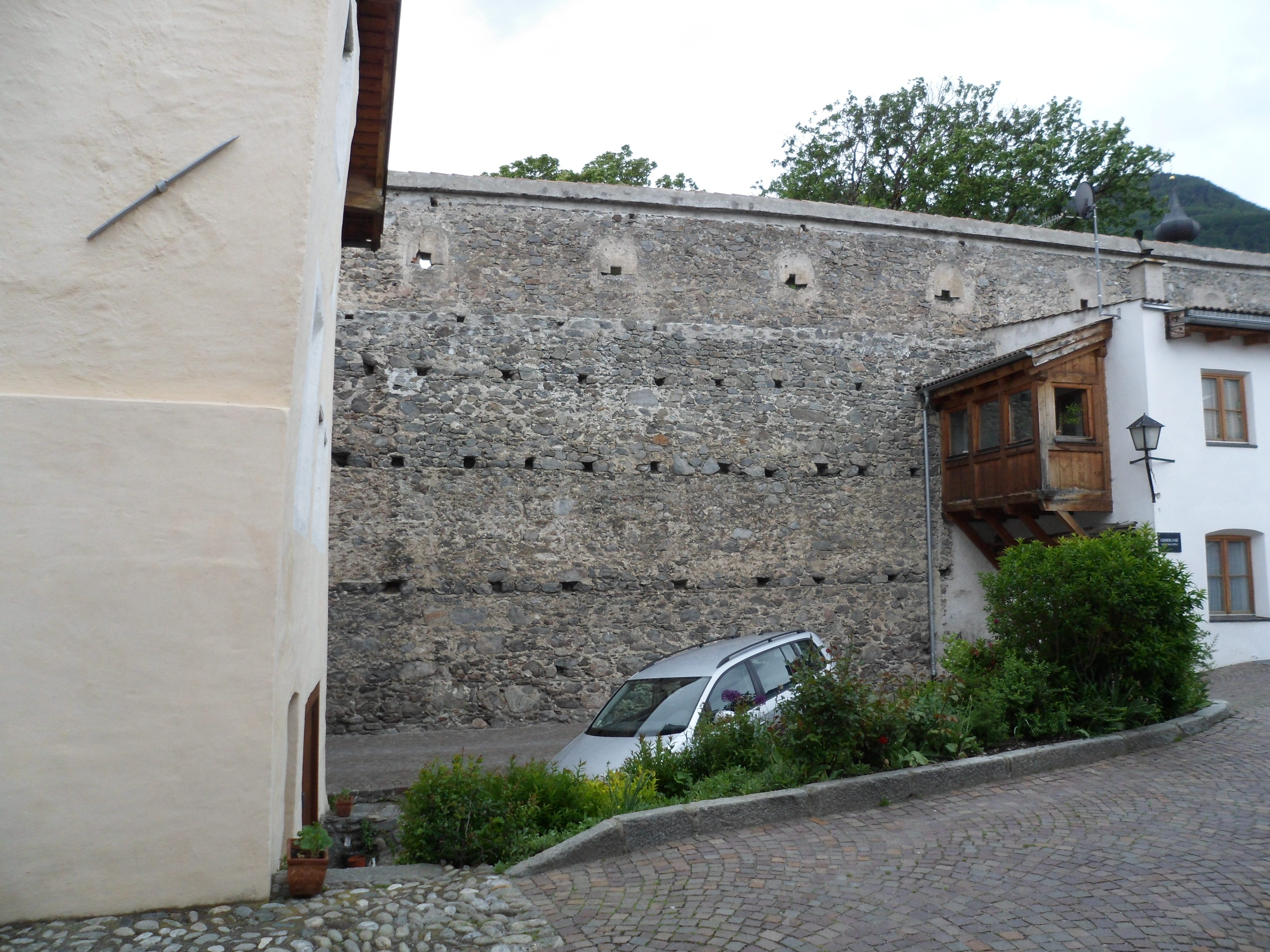 The inner face of the wall by the St. Pancratius gate.  Photo by author.