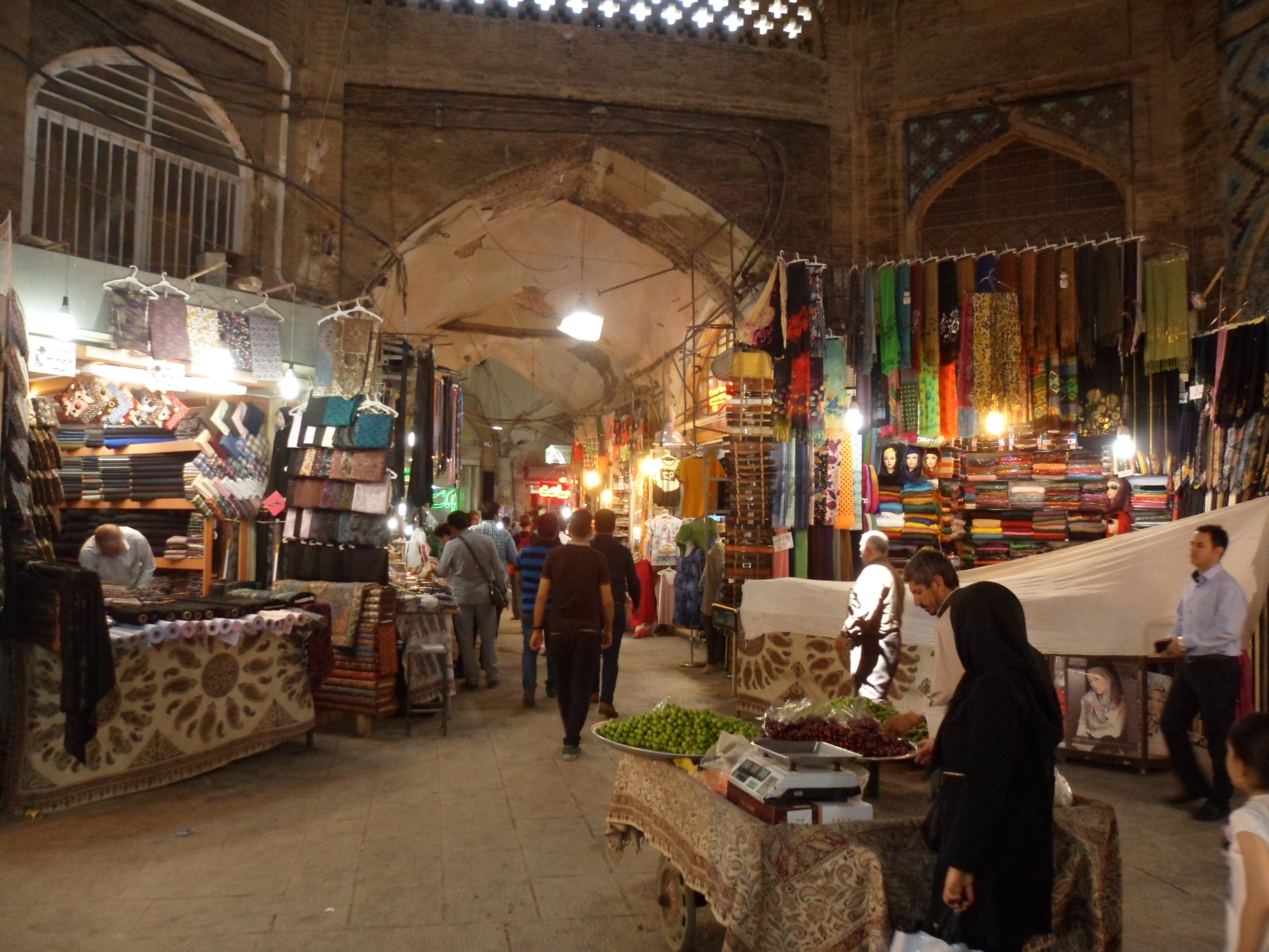 Photo of cloth dealers in the old bazaar of Isfahan